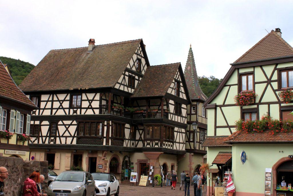 L'origine des couleurs des maisons alsaciennes !
